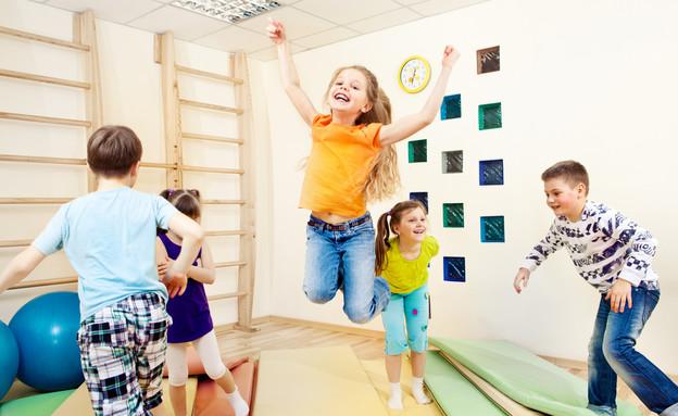 שיעור ספורט בית ספר (צילום: Shutterstock, מעריב לנוער)