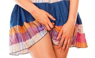 מגרד בתחתונים (צילום: Shutterstock)