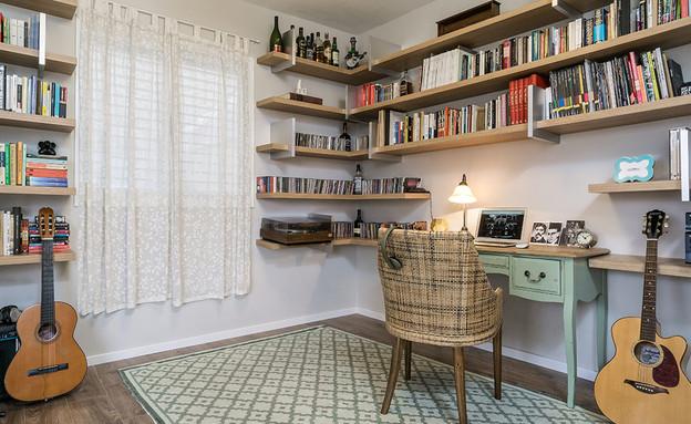 שטיחים04, שטיח של 'חפצים' (צילום: ליאור שניידר, תכנון ועיצוב-סטודיו פגי-למפרט, סטיילינג לצילומים-עופרי פז)