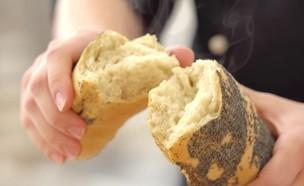 אפיית לחם מחמצת  (צילום: בבושקה הפקות, אוכל טוב)