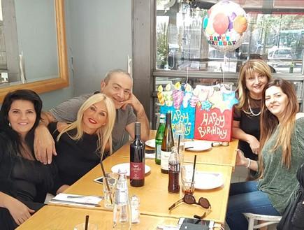 יום הולדת זהבה ואתי יחד עם בונדק שולה זקן ואהובה אלפרון