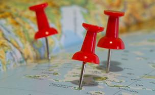 סיכות על מפה (צילום: Shawn Harquail, Flickr)
