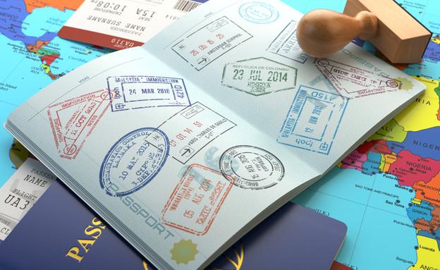 דרכון עם חתימות (צילום: Maxx-Studio, Shutterstock)