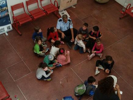 ילדים שפונו מבתיהם בזכרון יעקב