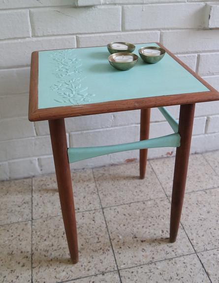 סדנה01, שולחן צד שזכה לחידוש (צילום: עופרי פז)