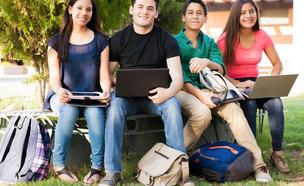 תלמידים בבית ספר (צילום: Shutterstock)