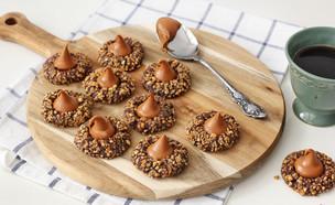 עוגיות שוקולד במילוי ריבת חלב (צילום: ענבל לביא, אוכל טוב)