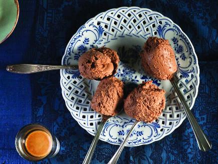 מוס שוקולד ומסקרפונה (צילום: דניאל לילה, סגנון: עמית פרבר, מחלבות גד)