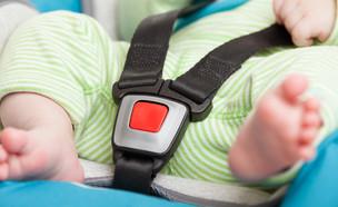 תינוק באוטו (צילום: Shutterstock)