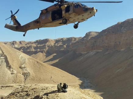 """החילוץ בנחל צאלים (צילום: מיכה בן גיגי, יחל""""צ ערד)"""