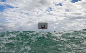 כדורסל בהפתעה (2) (צילום: John Margaritis)