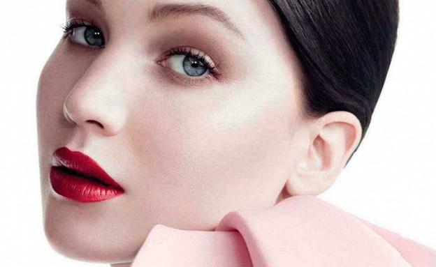 בלה חדיד או ג'ניפר לורנס? (צילום: Courtesy of Dior)