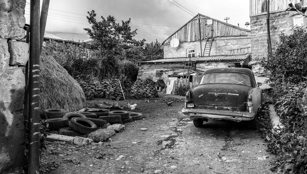 חצר טיפוסית בכפרים