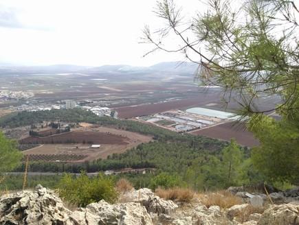 תצפית על עמק יזרעאל מהר הקפיצה (צילום: נגה משל, mako חופש)