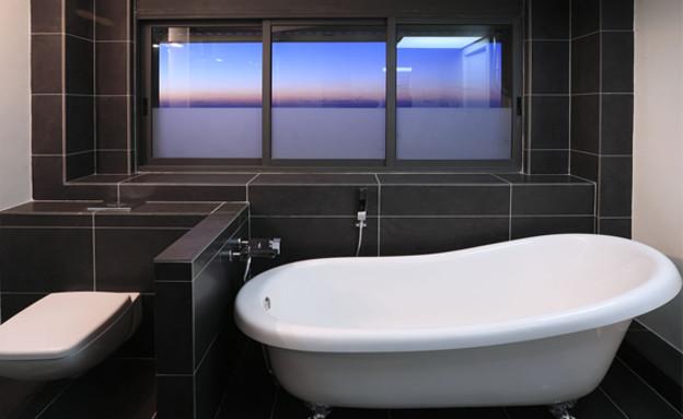 ישראל נוטס, אמבטיה (44) (צילום: עומרי אמסלם)