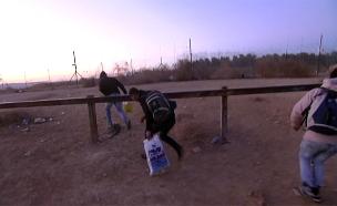 """תיעוד: תעשיית הברחת השב""""חים (צילום: חדשות 2)"""