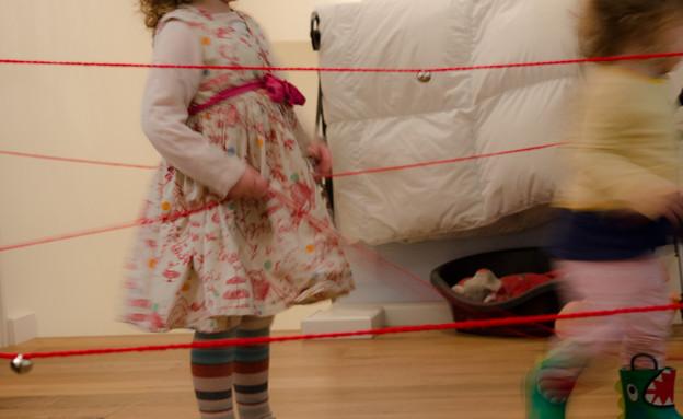 חנוכת בית - משחק חוטים (צילום: נועה קליין)