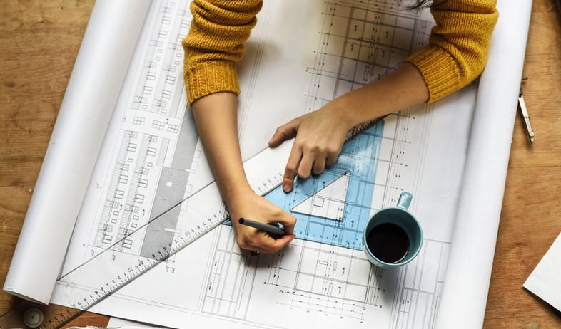משרטטים בית  (צילום: Hitdelight, Shutterstock)