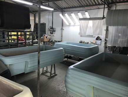 מיטות בבניה בסטודיו
