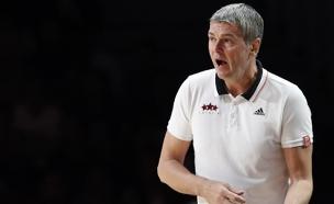 המאמן החדש. בגאצקיס (צילום: רויטרס)