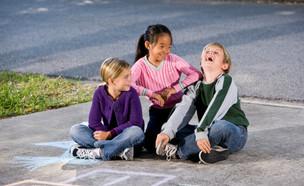ילדים צוחקים (צילום: אימג'בנק / Thinkstock)