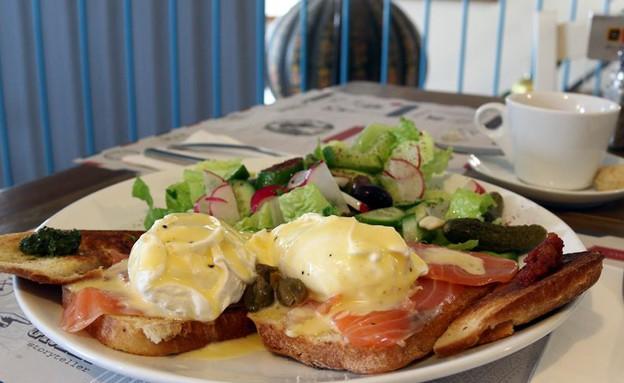 דליקט ביצים בנדיקט (צילום: ג'רמי יפה, אוכל טוב)