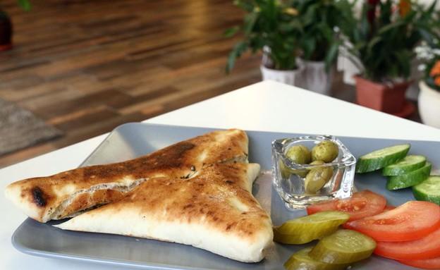 מאפיית תרשיחא סמבוסק (צילום: ג'רמי יפה, אוכל טוב)