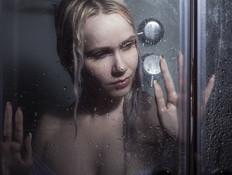 הרשת בשוק ממה שהאישה עושה לבעלה במקלחת