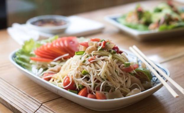 בית תאילנדי אטריות (צילום: נמרוד סונדרס, אוכל טוב)