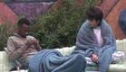 עדן ואנדל פותחים את הבוקר בפינת עישון (צילום: האח הגדול 24/7)