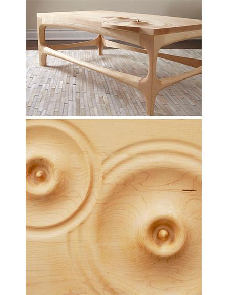 שולחן טיפות קפה בעיצוב Jeffrey A Day (צילום: Kevin Fry)