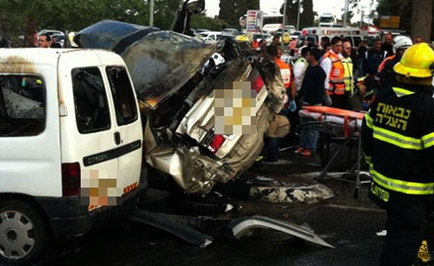 זירת התאונה בנשר (צילום: המייל האדום)