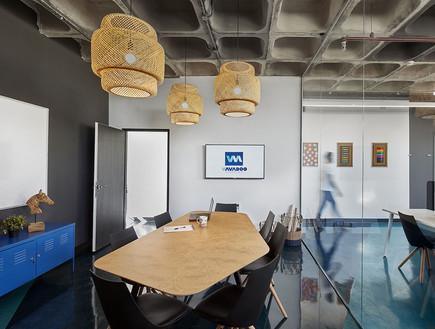 משרדים06, רצפת אפוקסי בגווני הלוגו