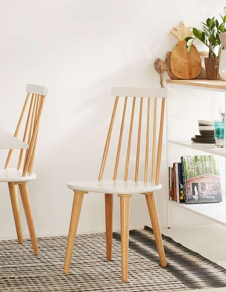 פינת אוכל 01, כיסא עץ עם מושב לבן (צילום: urbanoutfitters.com)