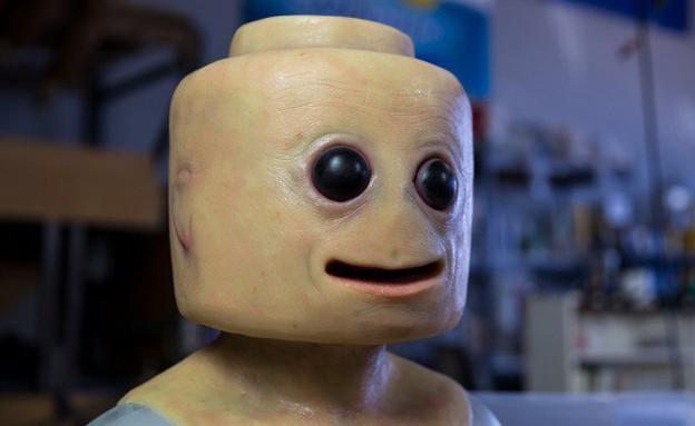 איש הלגו האנושי (צילום: יוטיוב , מעריב לנוער)