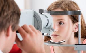 ילדה אצל אופטומטריסט (צילום: Andrey_Popov, Shutterstock)