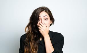 נערה מבוהלת (צילום: Shutterstock, מעריב לנוער)