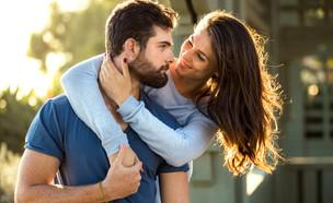 בחור ובחורה במיטה (צילום: Shutterstock)