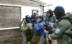 פינוי מתנגדים עמונה (צילום: חדשות 2)