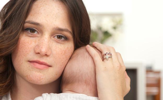 דיכאון אחרי לידה (צילום: courtneyk, GettyImages IL)