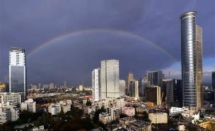 ענני הגשם חולפים. תל אביב, השבוע (צילום: יורם סגול)