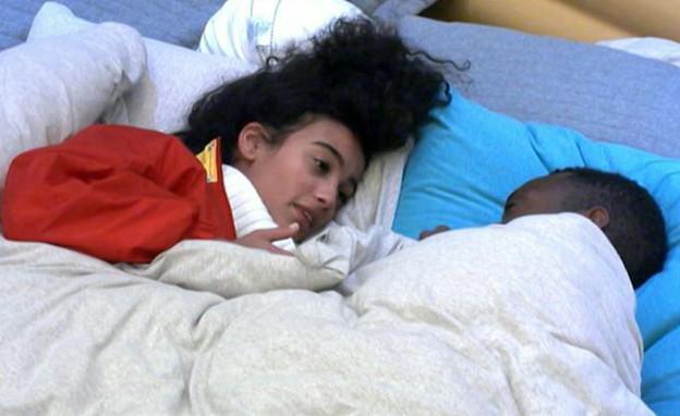 עדן ואנדל בשיחה אינטימית במיטה (צילום: מתוך האח הגדול 8 , שידורי קשת)