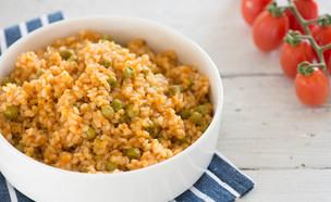 אורז מלא עם עגבניות ואפונה (צילום: ענבל כבירי, אוכל טוב)