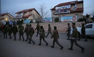 אחרוני המתבצרים פונו (צילום: אהוד אמיתון, TPS)