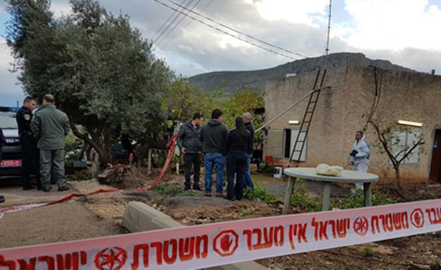 בית המשפחה, דקות לאחר הרצח (צילום: דוברות המשטרה)