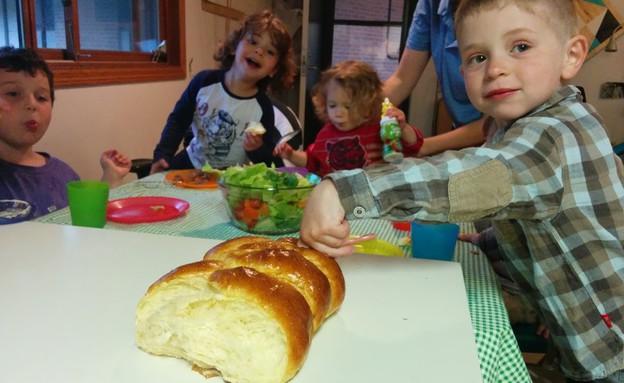 ארוחת שישי עם חברים (צילום: צילום ביתי)