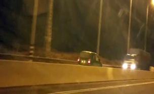 קשיש בן 70 נוסע נגד כיוון התנועה תאונה כביש 2 (צילום: חדשות 2)
