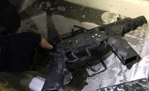 הנשק שנמצא בזירה (צילום: דוברות המשטרה)