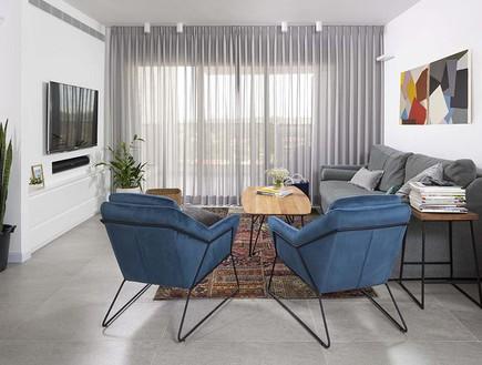 17 זוג כורסאות בכחול עז ובמראה מודרני עיצוב רוני ברטל
