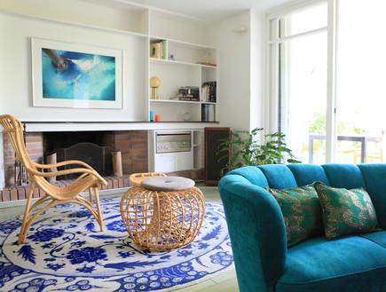 11 ספה כחולה בסגנון אר-דקו למראה בוהמייני קליל עיצוב שרון ברקת